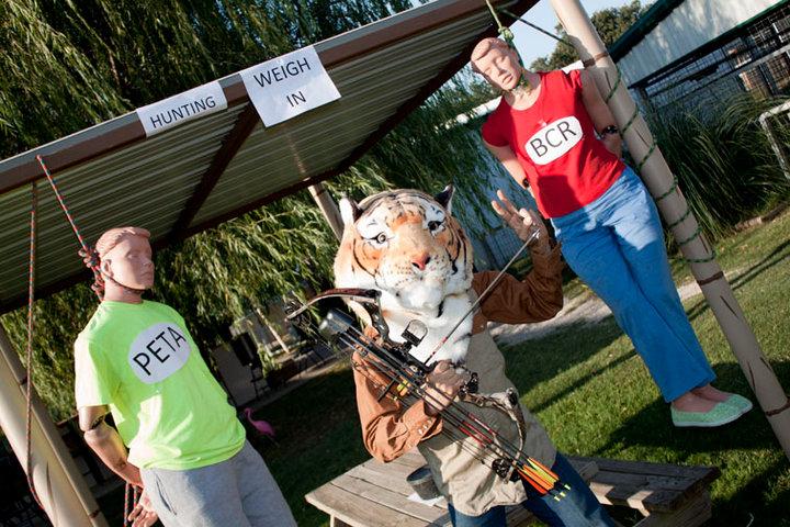 2010-08-20 Joe Schreibvogel facebook photo with bow (1).jpg
